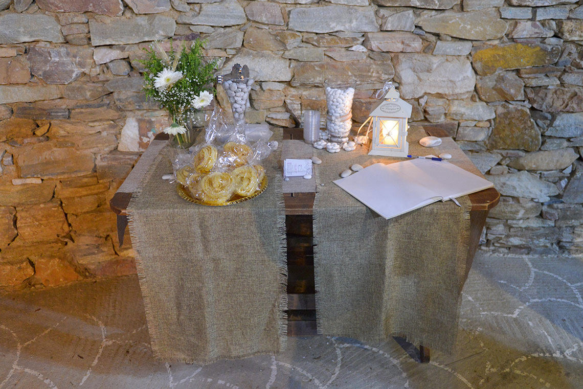 Wishes table at the entrance of the reception
